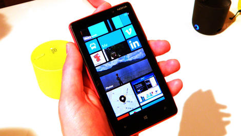 Hands-on review: Nokia Lumia 820
