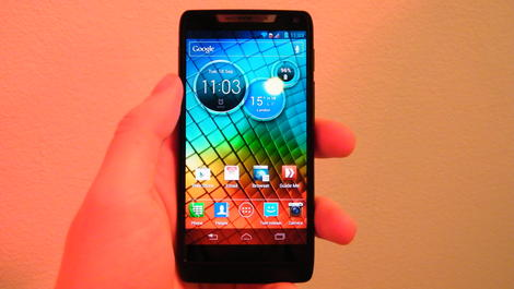 Hands-on review: Motorola Razr i
