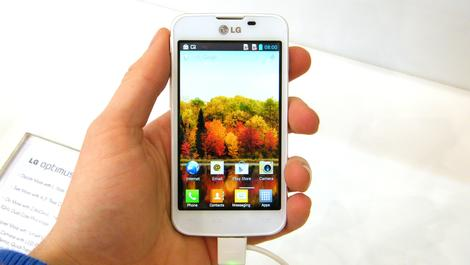 Hands-on review: MWC 2013: LG Optimus L5 2