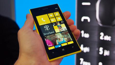 Hands-on review: MWC 2013: Nokia Lumia 720