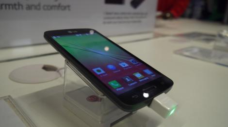 Hands-on review: MWC 2014: LG F70