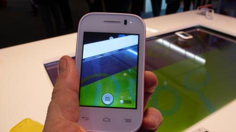 Hands-on review: MWC 2014: Alcatel OneTouch Pop Fit