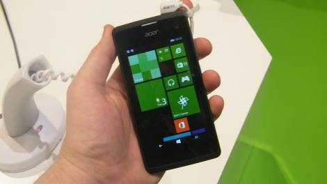 Hands-on review: MWC 2015: Acer Liquid M220