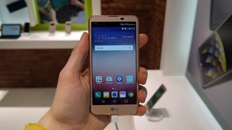Hands-on review: MWC 2016: LG X Screen
