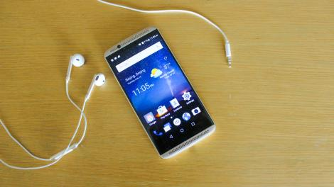 Hands-on review: UPDATED: ZTE Axon 7