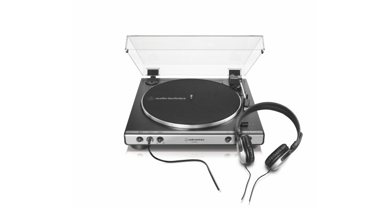 A product shot of the Audio Technica AT-LP60XBT